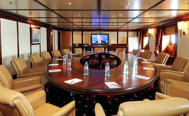 Corporate-yacht-charter