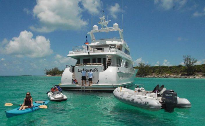 Motor-Yacht-Charters